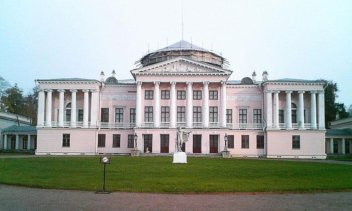 Дворец в Останкино в Москве