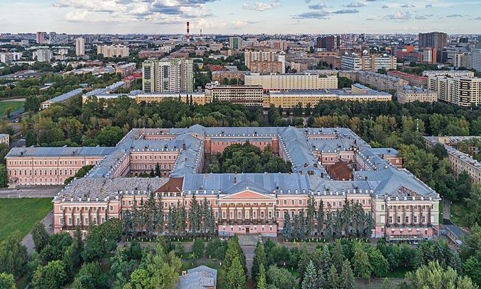 Екатерининский дворец в Москве