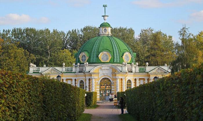 Грот в Кусково Москвы