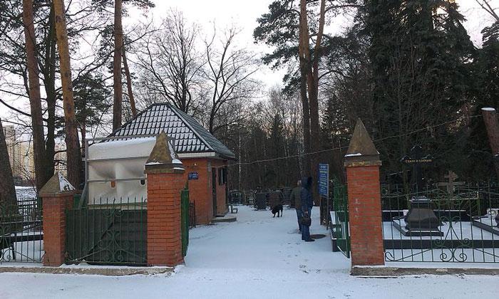 Кладбище в Переделкине