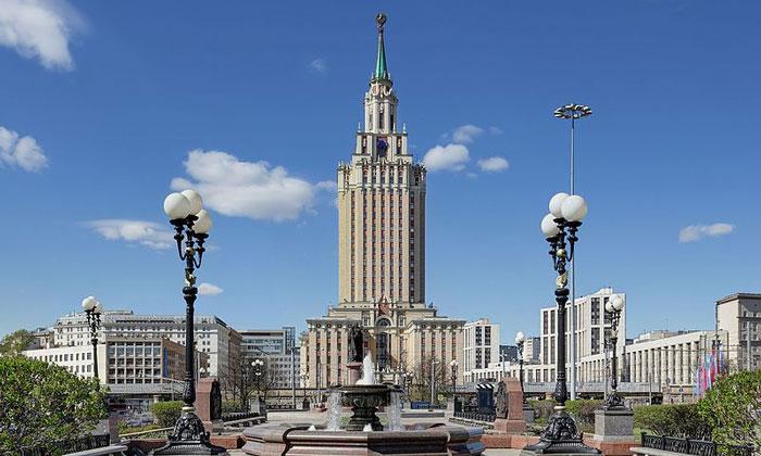 Гостиница «Ленинградская» в Москве
