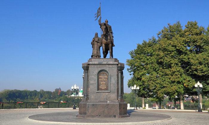 Памятник Владимиру и Фёдору в России