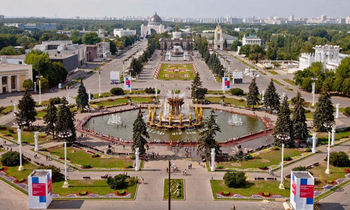 Панорама ВВЦ (ВДНХ) в Москве