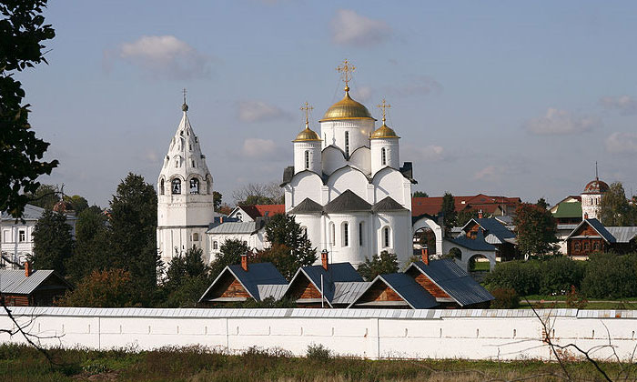 Покровский собор с колокольней в Суздале