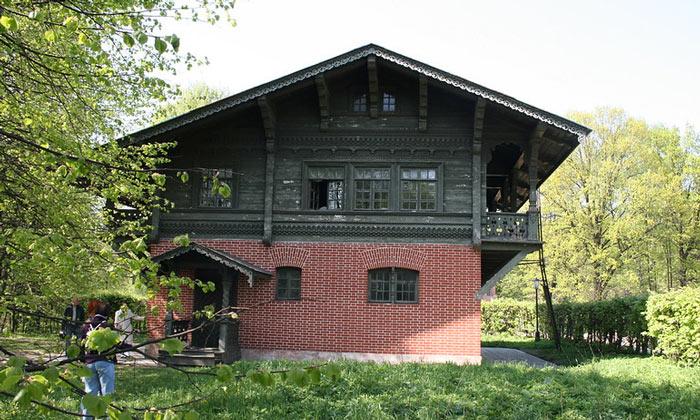 Швейцарский домик в Кусково Москвы