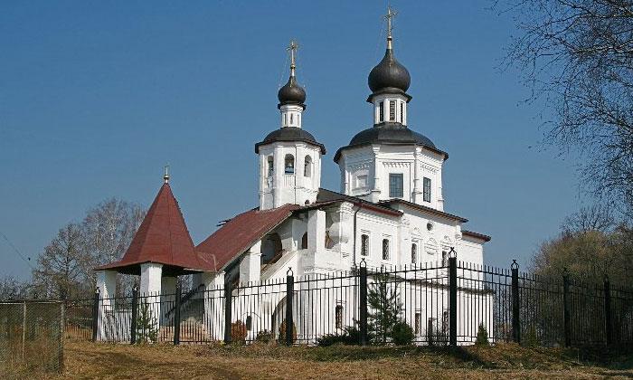 Смоленская церковь в деревне Бородино