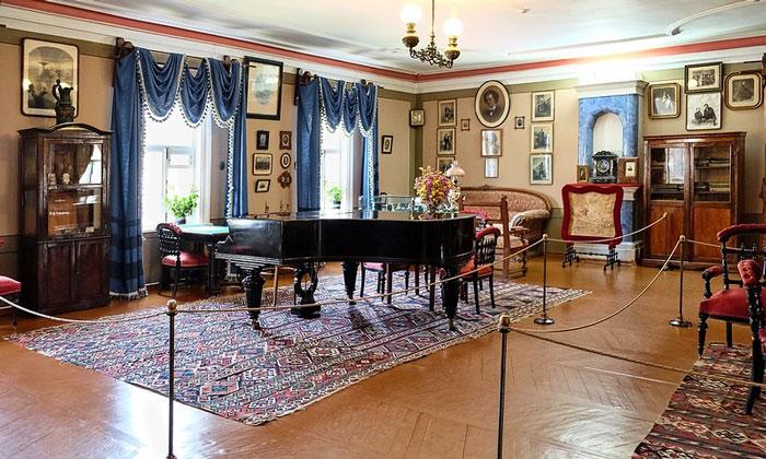 Внутри музея Чайковского в Клине