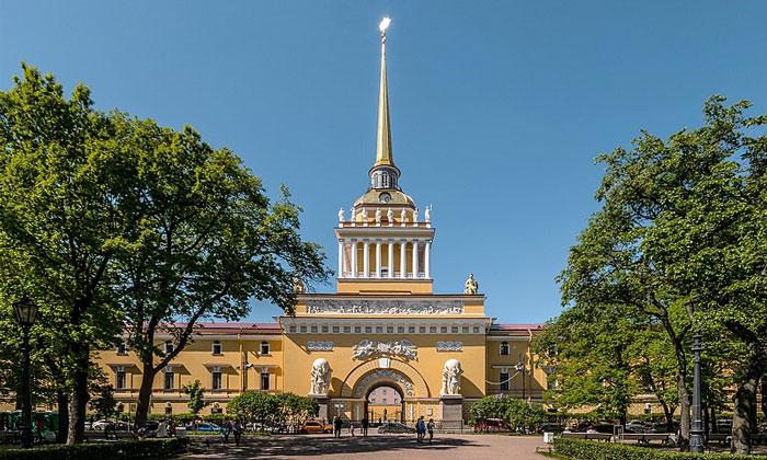 Главное здание Адмиралтейства в Санкт-Петербурге