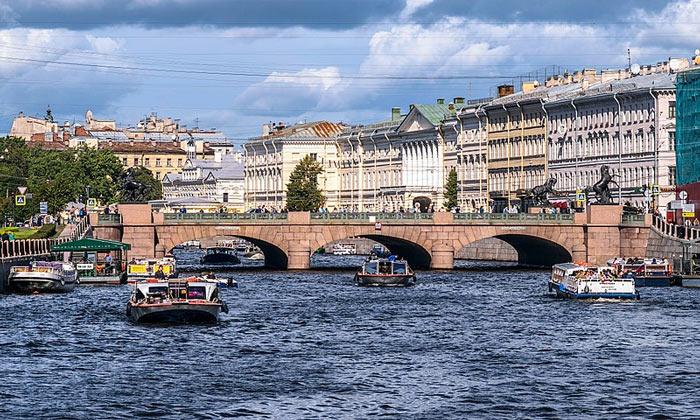Аничков мост в Санкт-Петербурге