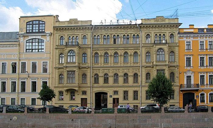 Дом Паулуччи в Санкт-Петербурге