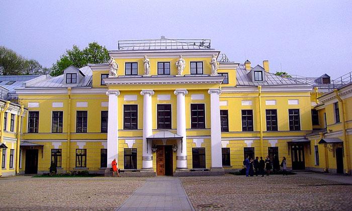 Дворец Бобринских в Санкт-Петербурге