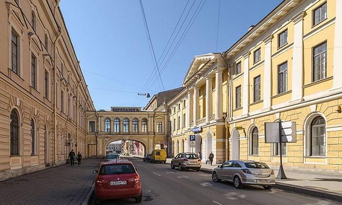 Здание Главпочтамта в Санкт-Петербурге