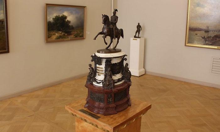 Николаю I Императору Всероссийскому в Русском музее