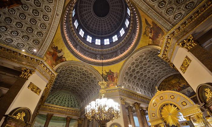 Интерьер Казанского собора в Санкт-Петербурге