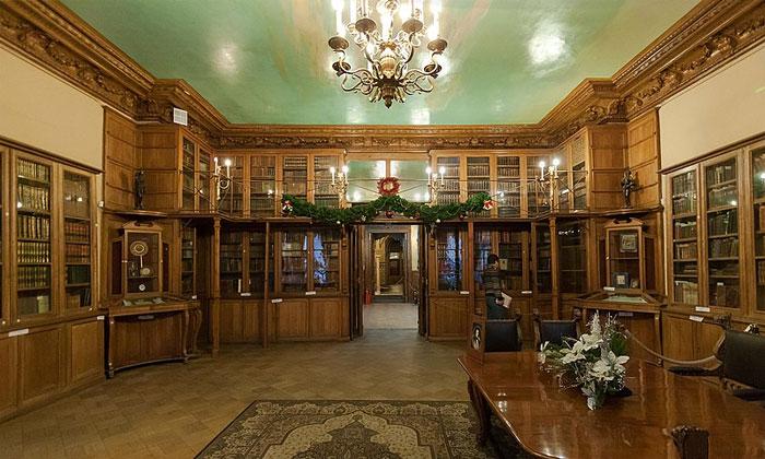 Кабинет князя Юсупова в Юсуповском дворце Санкт-Петербурга