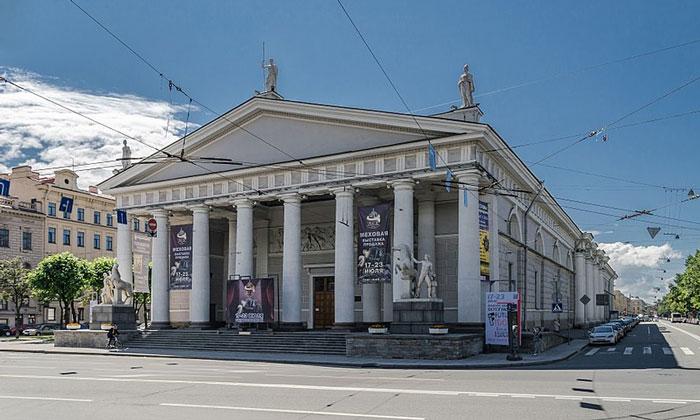 Конногвардейский манеж в Санкт-Петербурге