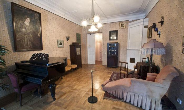 Одна из комнат музея Блока в Санкт-Петербурге