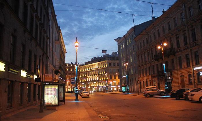 Малая Морская улица в Санкт-Петербурге