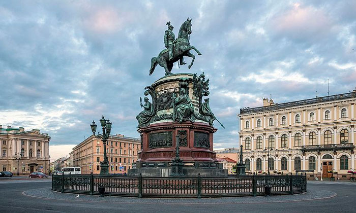 Монумент Николаю I в Санкт-Петербурге