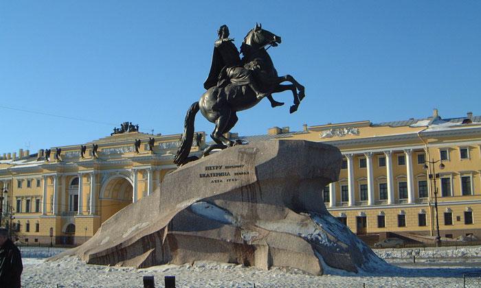 Монумент Медный всадник в Санкт-Петербурге
