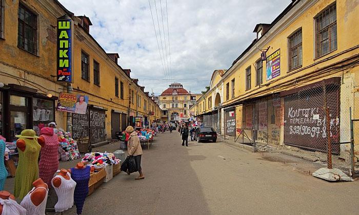 Рынок Апраксин двор в Санкт-Петербурге
