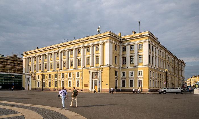 Штаб Гвардейского корпуса в Санкт-Петербурге