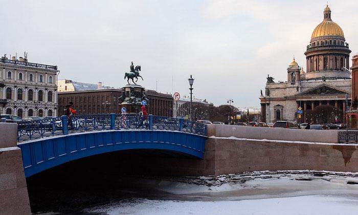 Синий мост в Санкт-Петербурге
