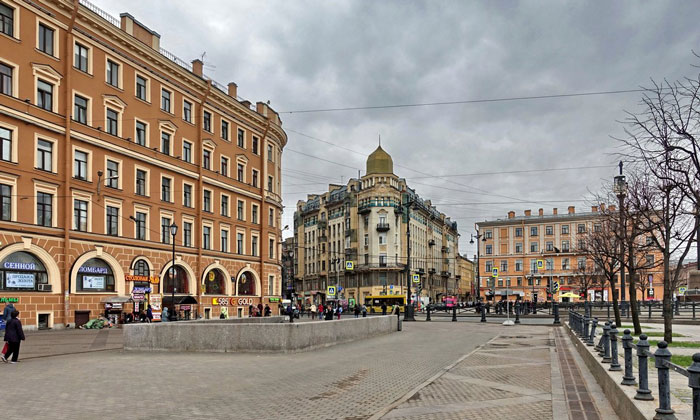Архитектура Сенной площади Санкт-Петербурга