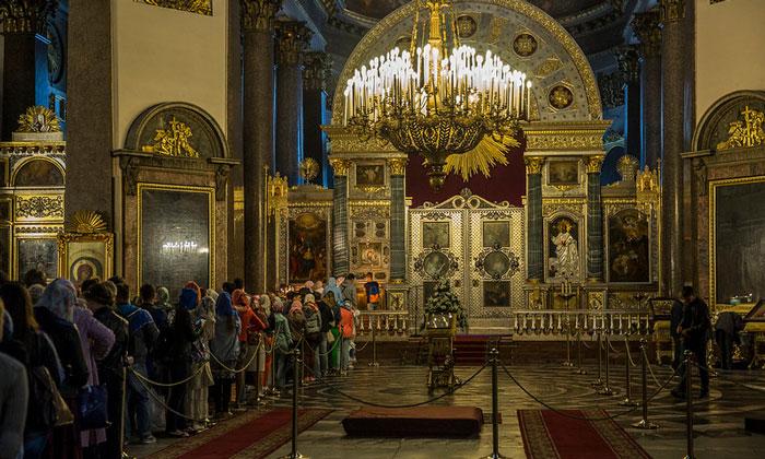 Внутри Казанского собора в Санкт-Петербурге