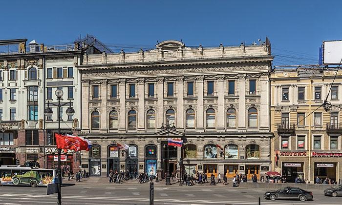 Пассаж (Универмаг) на Невском проспекте Санкт-Петербурга