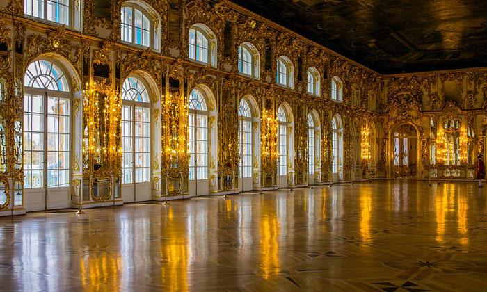 Большой зал Екатерининского дворца в Царском Селе