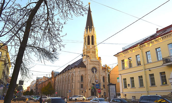 Церковь Святого Михаила в Санкт-Петербурге