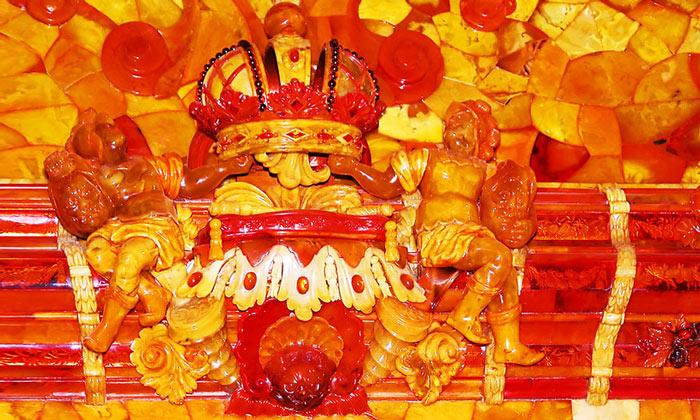 Цвета Янтарной комнаты в Екатерининском дворце