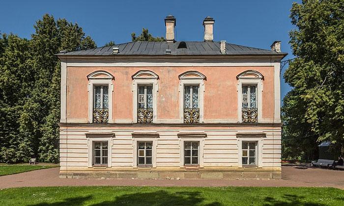 Дворец Петра III в Ораниенбауме