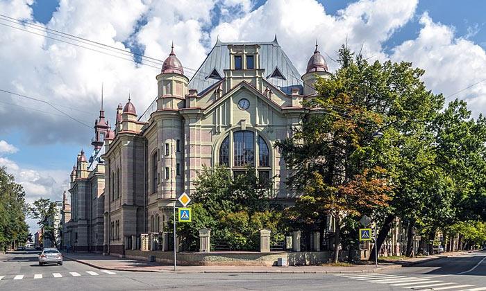 Электротехнический университет в Санкт-Петербурге