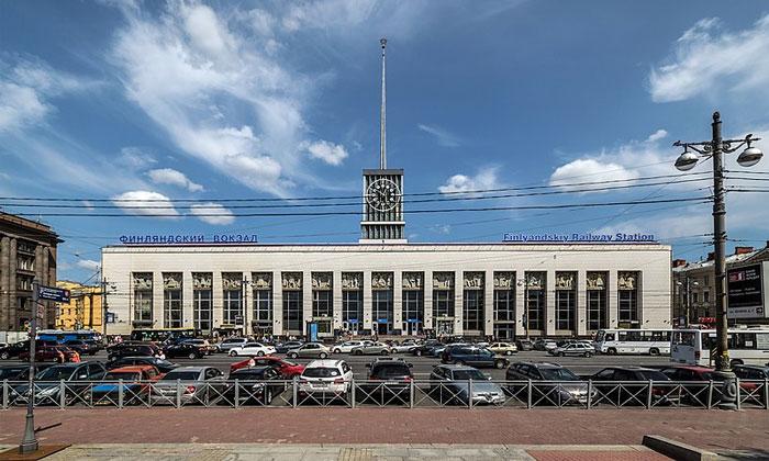 Финляндский вокзал в Санкт-Петербурге