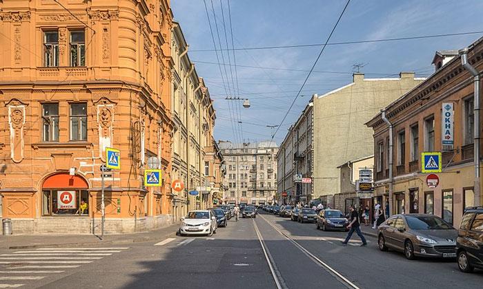 Кузнечный переулок в Санкт-Петербурге