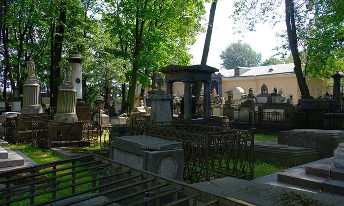 Лазаревское кладбище в Санкт-Петербурге