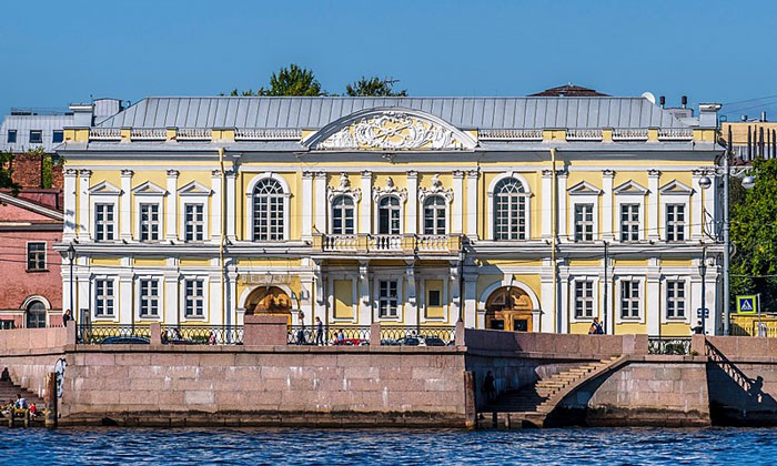 Манеж 1-го кадетского корпуса в Санкт-Петербурге