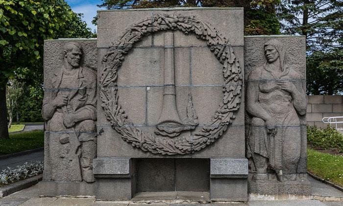 Мемориал жертвам блокады на Пискарёвском кладбище