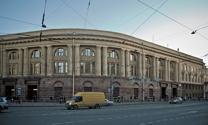 Метро «Технологический институт» в Санкт-Петербурге