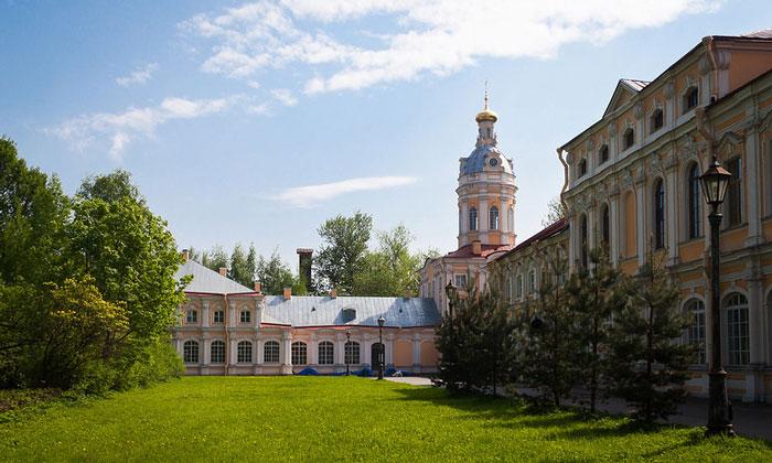 Мужской монастырь Александро-Невской лавры