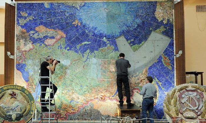 Драгоценная карта СССР в Санкт-Петербурге