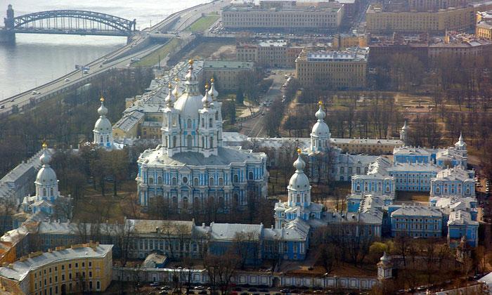 Панорама Смольного монастыря в Санкт-Петербурге