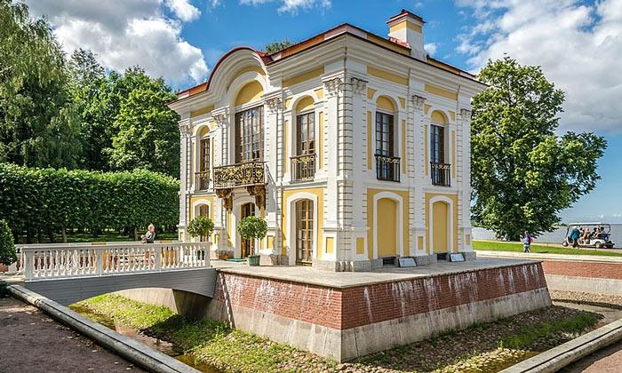 Павильон «Эрмитаж» в Петергофе