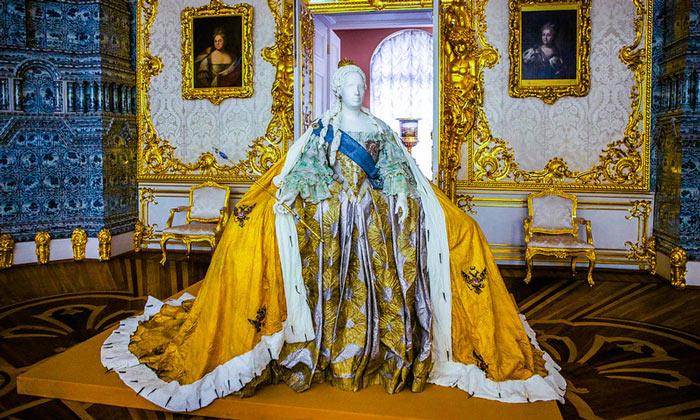 Платье Екатерины Великой в Царском Селе