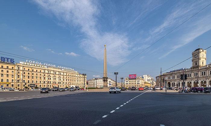 Площадь Восстания в Санкт-Петербурге