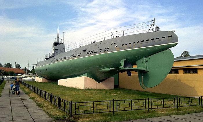 Подводная лодка Д-2 «Народоволец» в Санкт-Петербурге