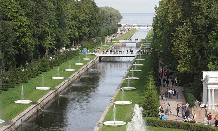 Самсоновский канал в Петергофе