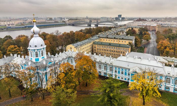 Вид Питера со Смольного собора Санкт-Петербурга